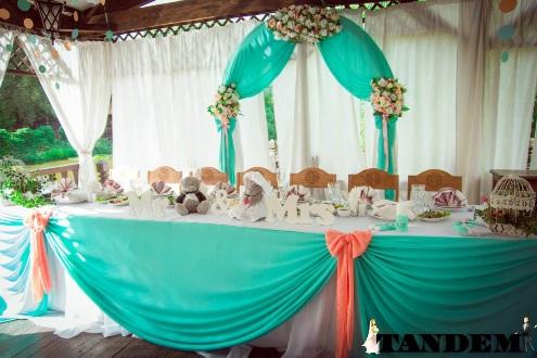 Мятная свадебная арка