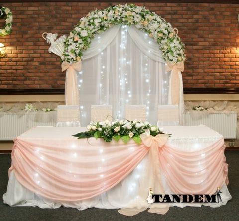 Свадебная арка с подсветкой