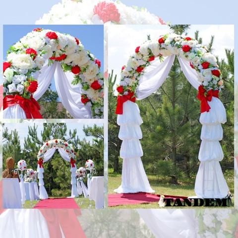 Свадебная арка в бело-красном цвете