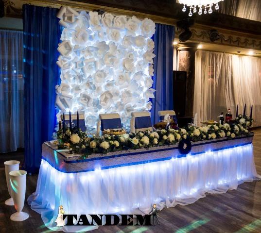 Ширма с бумажным и текстильным декором в синем цвете